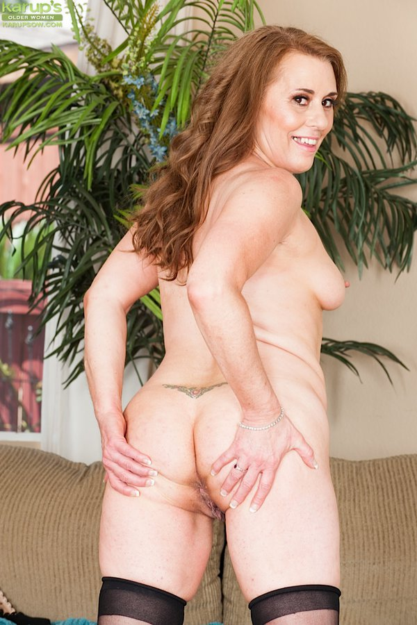 thick old mature amateur cristine ruby butt naked.