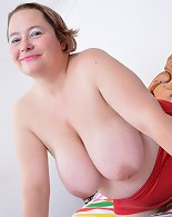 Naughty British BBW playing with her wet pussy