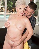66-year-old Jewel And Her Son\'s 34-year-old Friend